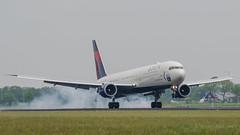 Delta Airlines Boeing 767-400 N841MH (robdsn) Tags: boeing ams b767 deltaairlines polderbaan schapol