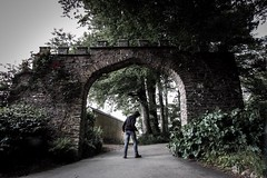 The Archway (Forty-9) Tags: trees roses june stone wall canon dark hoodie cornwall archway friday campsite lightroom selfie hoodlum 2016 efs1022mmf3545usm trewanhall efslens forty9 eos60d tomoskay 03062016 3rdjune2016 thehoodlum