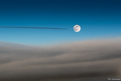 Apollo 18 (Philippe Goachet) Tags: moon flight airliner aircraft avion air nuages trail traine lune space apollo sony rx100 inflight