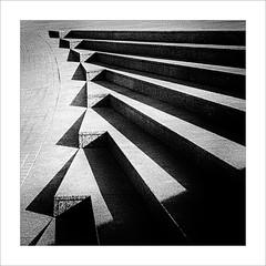 Joc d'ombres / Game of shades (ximo rosell) Tags: light blackandwhite bw abstract blancoynegro luz stairs arquitectura nikon squares bn escaleras llum ombres escales cuadrado abstracción graons abstracció ximorosell