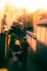 Lovely evening sunshine (Masa_N) Tags: alley backlit couple spring people sunlight tokyo evening japan downtown