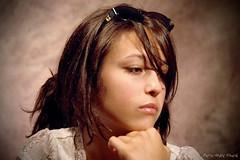 L'ge tendre ( P-A) Tags: portrait studio photos adolescente belle jeune modle rflexion indcise incertaine nikonflickraward clairagecontinue simpa