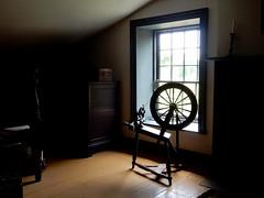 Le temps qui passe (M. Carpentier) Tags: old light house wool window lumire maison fentre weaving vieux laine uppercanadavillage rouet