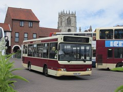 East Yorkshire 495 YX04JVY Sow Hill Bus Stn, Beverley on 521 (1280x960) (dearingbuspix) Tags: 495 eastyorkshire eyms yx04jvy