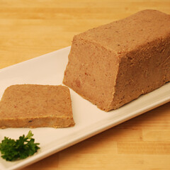 Duck Rillette 7oz (LaurelPineLivingLuxury) Tags: fabrique delices duck rillettes plated pate sliced