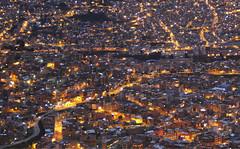 Laberinto nocturno (Imthearsonist) Tags: lapaz bolivia nightshot nightphotography citylights urban lights streets buildings houses lightpollution city