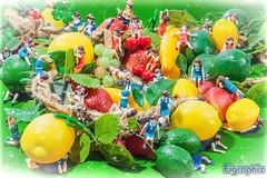 Fuchico on the fake fruits paradice (Figraphix (Gunshrimp)) Tags: gashapon japanesetoy capsuletoy fuchico  kitanclub   fuchicoofcup