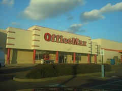 Last pic before the sign came down (l_dawg2000) Tags: retail vintage mississippi ms closing clearance 90s officesupplies officemax hornlake officesupplystore