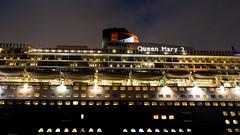 QM 2 (zitronenkojote) Tags: street city germany de deutschland europa harbour hamburg eu queenmary cruiseship hafen qm2 kreuzfahrtschiff schiffe norddeutschland alemagne grosstadt zitronenkojote wwwzitronenkojotewordpresscom