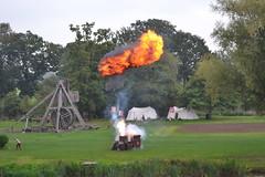 Medieval (pippozunchi) Tags: castle nikon photographer live explosion medieval fiore warwick dario d3100