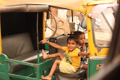 Slum kids in a Tuk Tuk (Tom Milton Photography) Tags: street trip shadow home w