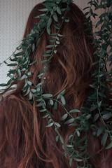 76/365 - J'ai rang la fort (clementine.gras) Tags: nature strange forest hair faceless 365 nymph visage sans nymphe rve onirique