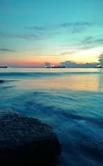 Sunset (wisnujn) Tags: cameraphone sunset beach indonesia nokia lowlight borneo 1020 balikpapan slowspeed lumia eastkalimantan