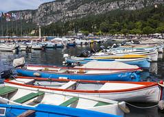 Colourful Boats (Hans van der Boom) Tags: vacation italy holiday boats garda italia many it row colourful gardameer itali lakegarda veneto venetoverona