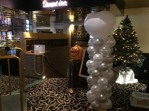 Ballonpilaar Breed Hart Carlton Oasis Hotel Spijkenisse