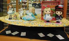 Alice in Wonderland display (TrueFan) Tags: white rabbit couple dolls display library dal mini caterpillar fabric tiny pullip luts delf madhatter aliceinwonderland humptydumpty isul effanbee ddung anotherclockrabbit chenilledujardin