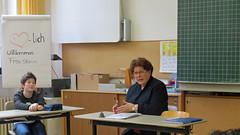 Die Landtagsprsidentin in der privatenVolksschule Elisabethenheim (stammbarbara) Tags: barbara stamm