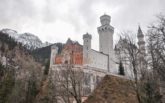 Neuschwanstein (ccr_358) Tags: winter castle tourism germany bayern deutschland bavaria grey scenery day village view cloudy postcard january palace neuschwanstein schloss inverno germania cartolina gennaio hohenschwangau schlossneuschwanstein baviera 2016 swabia christmasholidays neuschwansteincastle ostallgu ccr358
