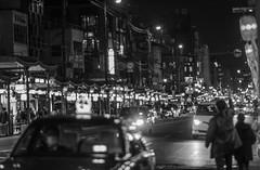 streetlife-9829 (math.buechel) Tags: street bw cars japan blackwhite nikon kyoto strasse streetphotography streetlife sw autos schwarzweiss bnw strassenleben strassenfotografie streetfotografie d7000 nikond7000