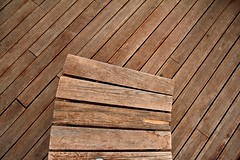 Minimalism in wood (Daniel Nebreda Lucea) Tags: wood travel abstract texture lines composition canon madera pattern background details perspective shapes minimal negative simplicity material minimalism curve simple negativo fondo detalles less texturas patron viajar menos curva composicion