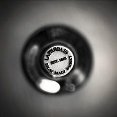 Laphroaig, Islay Single Malt Whisky, 17.10.2010 (Sampsa Kettunen) Tags: estonia drink whisky laphroaig singlemalt 2010 viro saaremaa juoma saarenmaa viski villasucca 17102010 eikla