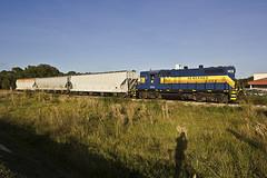 SGLR 580 Sarasota FL (Chicagojoe(28)) Tags: hot bike train high gulf florida south rr chase hood sarasota seminole 580 gp9 highhood sglr