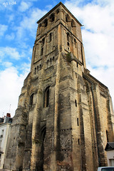 Tour de Charlamagne, Tours (Wipeout Dave) Tags: city france building tower architecture tours francais indreetloire charlemagnetower wipeoutdave tourdecharlemagne canoneos1100d davidsnowdonphotography djs2014