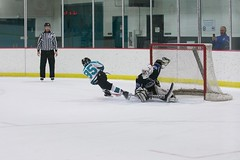 DSC_7345 (Steve Gerke) Tags: hockey little cincinnati plymouth trailer swords 32 caesars stingrays youthhockey plymouthstingrays littlecaesarsamateurhockeyleague cincinnatiswords cincinnatihockey cincinnatiswordshockey swordshockey lcahl