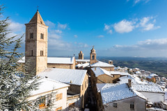 December 2014 snow in the Hills of Le Marche, from Penna San Giovanni (MikePScott) Tags: camera trees sky italy snow tower church clouds buildings lens temple haze synagogue chapel belltower hills roofs monastery valley townhall convent ecclesiastical chimneys marche carillon macerata lemarche topography builtenvironment architecturalfeatures nikond600 camapanile pennasangiovanni nikon2470mmf28 featureslandmarks towersetc