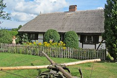 cottage and garden :) (green_lover (your COMMENTS are welcome!)) Tags: skansen nadole poland village etnography cottage fence history openairmuseum building house