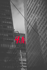 H&M (Zack Lewkowicz) Tags: park new york city nyc winter ny canon downtown skyscrapers dslr bryant 70d