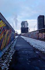 snow berlin graffiti spray smartphone berlinwall murales... (Photo: Stefano085 on Flickr)