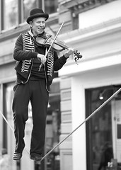 fiddler on the rope (Senaid) Tags: city scotland interestingness nikon glasgow centre streetphotography buchananstreet rope explore fiddle fiddler d600 explored dubhard