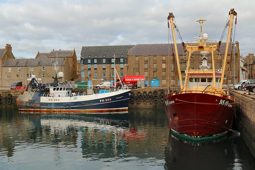 21st April 2016. Albion DS10 and Shalimar II PD303 in Peterhead Harbour, Aberdeenshire, Scotland