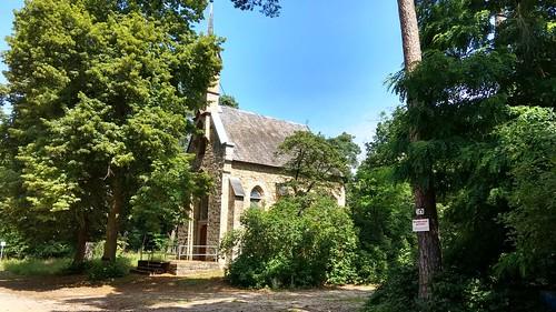 Kirche im Lennebergwald