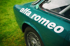 """alfa romeo"" (Eric Flexyourhead (shoulder injury, slow)) Tags: canada detail green car race zeiss vintage italian bc britishcolumbia racing northvancouver alfaromeo fragment waterfrontpark shallowdepthoffield 2016 vintageracer 55mmf18 italianfrenchcarbikefestival sonyalphaa7 zeisssonnartfe55mmf18za"