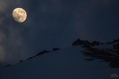 Moon in the Valais, Swiss. (Zed The Dragon) Tags: zed dragon sony a7r 2016 montagne coucher soleil valais vercorin suisse nature neige snow montaign nuage nuages 500 500mm panorama zedthedragon juin chalais 500mmf4gssm ciel paysage landscape extrieur outside montagnes inalpe alpages