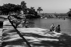 No stress! (Luiz Contreira) Tags: street brazil people bw southamerica brasil riodejaneiro landscape blackwhite pessoas sony streetphotography pb pretoebranco amricadosul fotografiaderua brazilianphotographer fotgrafosbrasileiros a6000 sonya6000
