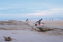 F1010026_lr (chi.ilpleut) Tags: film analog island analogue 台灣 expiredfilm kodakfilm 景致 情境 海島 外島 金門kinmentaiwan 金門鎏金之島kinmen oceanpeopleisland