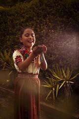 tipico_59 (edyn81) Tags: nia mujer trajeindigena maya atitlan mirador folclor guatemala traje blusa corte