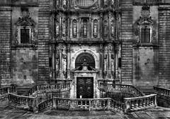 Iglesia del Monasterio de San Martn Pinario (Frank ) Tags: iglesiadelmonasteriodesanmartnpinario santiagodecompostela spain espaa church eglise europe catholic bw canon 6d