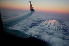 2016_09_23 Rainier in flight-3 (jplphoto2) Tags: deltaairlines jdlmultimedia jeremydwyerlindgren mtrainier aerial flight flying inflight mountain sunset