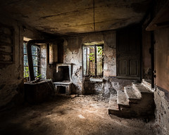 The kitchen in abandoned villa FS
