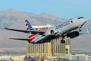 N922NN | American Airlines | 737-823 | KLAS