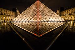Louvre Museum - Paris (higordepadua) Tags: travel paris france museum europa pyramid louvre viagem franca 2014 higordepadua higordepaduavieiraneto higordepaduacombr