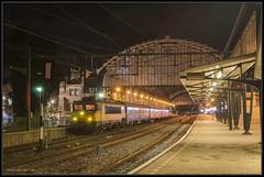 11-12-2014, Haarlem, NSR 1768 + rijtuigen + 1744 (Koen langs de baan) Tags: haarlem night found lost lights express lostfound 1700 nsr 1768 1744 nmbs bagagerijtuigen