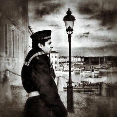 Royal Guard (Black and white challenge) (Toni Kaarttinen) Tags: boy sea man guy castle lamp hat square boat ship post sweden stockholm guard sierra squareformat royalguard sverige sailor gu suede ruotsi roay unform iphoneography instagramapp uploaded:by=instagram foursquare:venue=4adcdaeef964a520c95a21e3