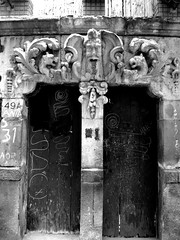 Old door (A30_Tsitika) Tags: door urban bw mexico puerta df urbandecay bn moocard sanmiguelchapultepec