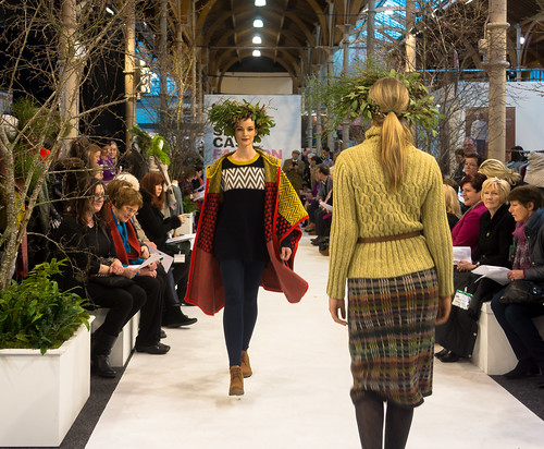 SONIA REYNOLDS PRESENTS HER SELECTION OF THE BEST OF IRISH FASHION- REF-101319