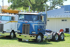 IMG_2837 (RyanP77) Tags: show california b white truck log model shiny trucker international chevy chrome r pete logger gmc peerless kw peterbilt ih kenworth cabover bullnose fruehauf